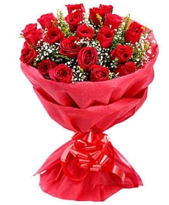 21 adet kırmızı gülden modern buket  Batman çiçek gönderme
