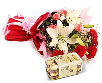 Karışık buket ve kutu çikolata  Batman çiçek , çiçekçi , çiçekçilik