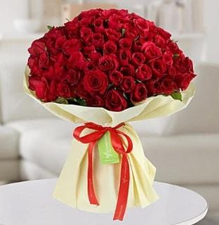 101 adet kırmızı gül buketi koca demet  Batman internetten çiçek siparişi