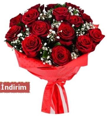 12 Adet kırmızı aşk gülleri  Batman çiçek satışı
